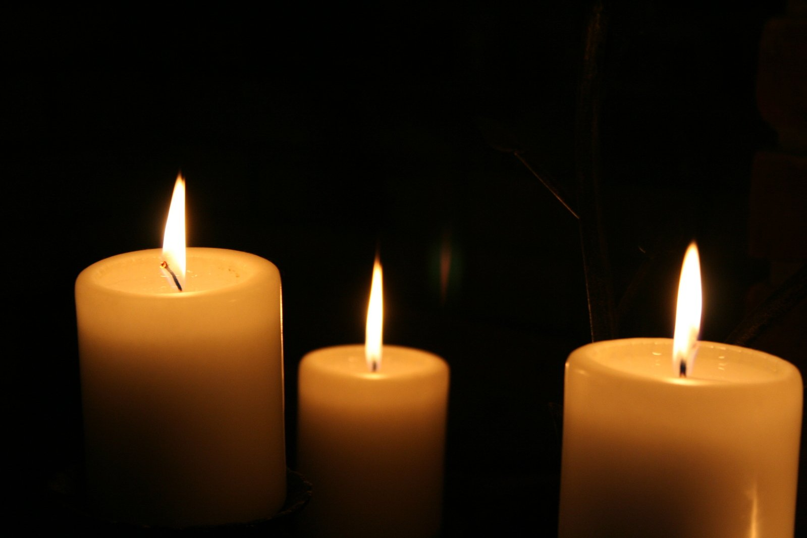 Picture of 3 lite candles