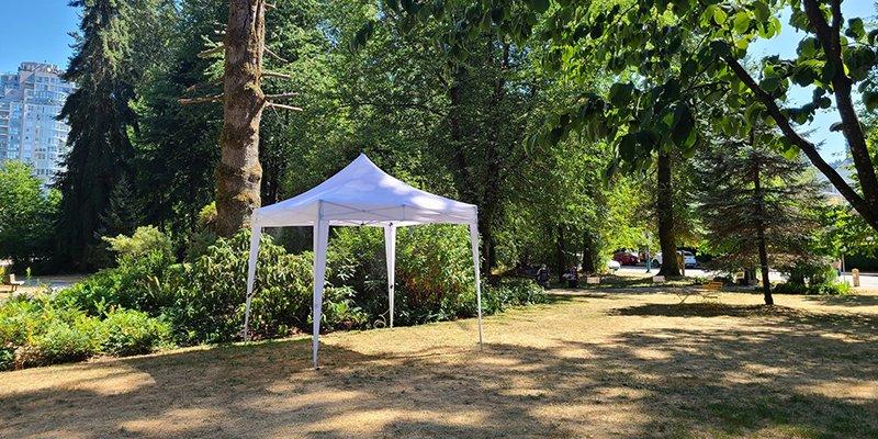 Misting tent
